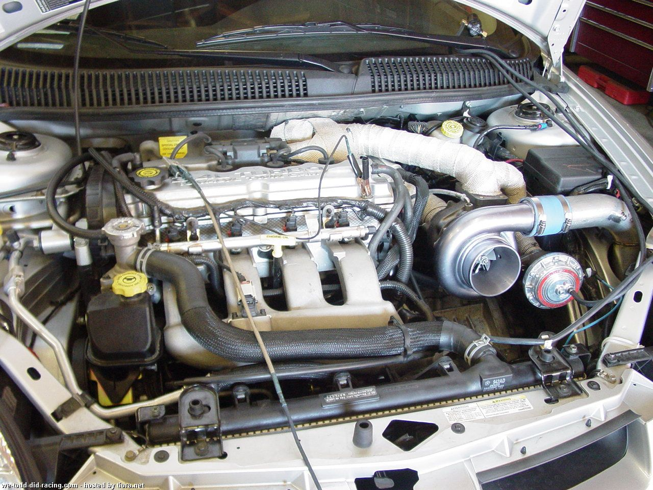 Post up pics of your engine bay-srt4-aftermarket-turbo.jpg